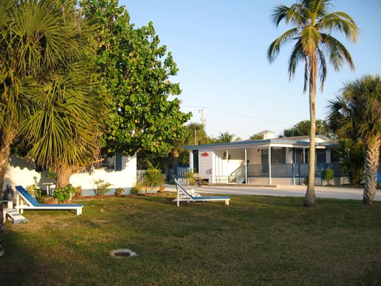 Tropical Winds Motel & Cottages: Cottages