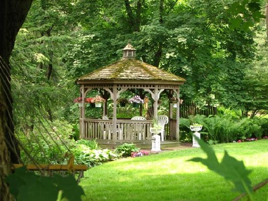 New Hope's 1870 Wedgwood Bed and Breakfast Inn: Gazebo at Wedgewood Inn