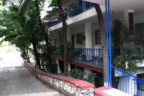 Coconut Villa Hotel : Real Nice-Harold ,Va.