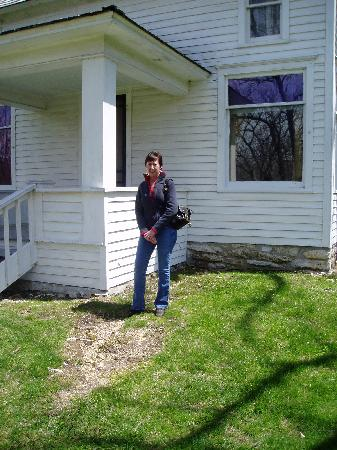 Laura Ingalls Wilder Historic Home and Museum: In Front of the Farmhouse