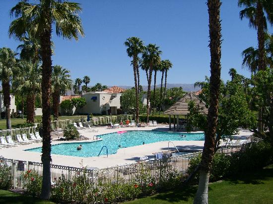 Desert Breezes Resort: Overlooking pool area from #164