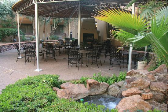 Radisson Hotel El Paso Airport: Patio