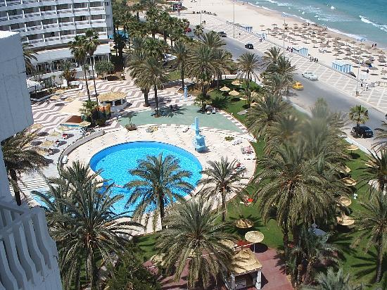 Hotel Elhana Beach: pool und flora
