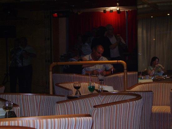 Bahia Principe San Felipe: the very dull hotel bar
