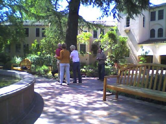Willow Stream Spa: Courtyard of the Sonoma Mission Inn