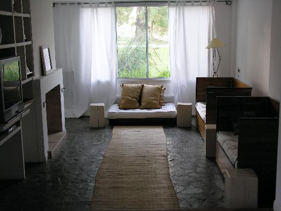 El Metejon : TV Room