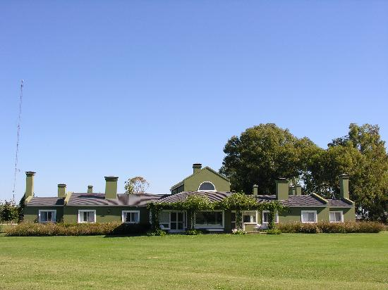 El Metejon Campo Privado: El Metejon Club House