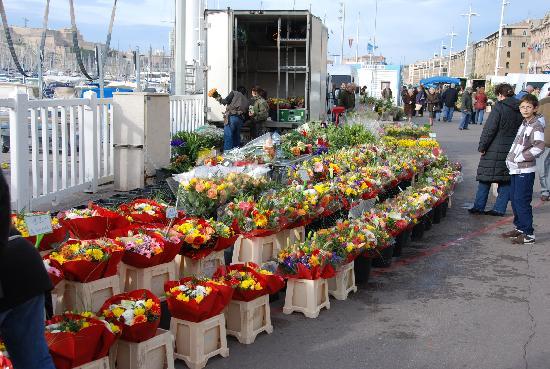 Novotel Marseille Vieux Port : Marseille Flower Market Day