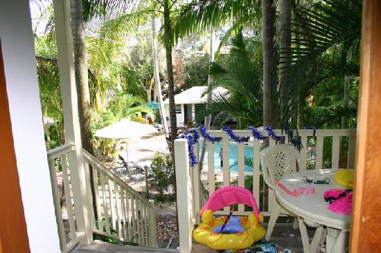 Sunset Cove Noosa Resort: so close to the pool