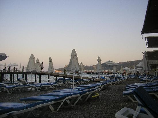 Barut Kemer : Beach at the end of day