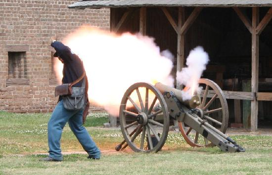 old fort jackson cannon firing soo cool