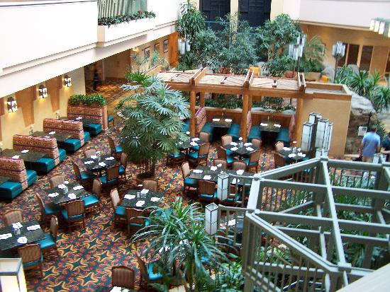 Tucson University Park Hotel: Lobby from an upper floor.