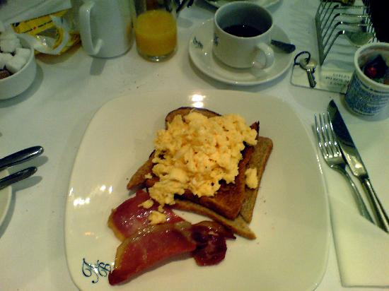 Astley Bank Hotel: Breakfast (there is a full English too)