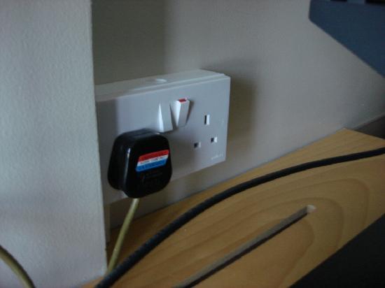 Arabian Park Hotel: Electricity