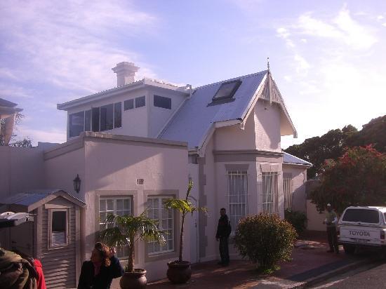 بلاك هيث لودج: La casa por fuera
