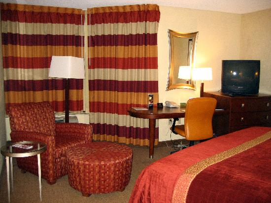 DoubleTree by Hilton Johnson City: View of the Bedroom