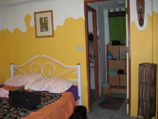 Julie Guest House: Our room. Lower floor en suite unit.