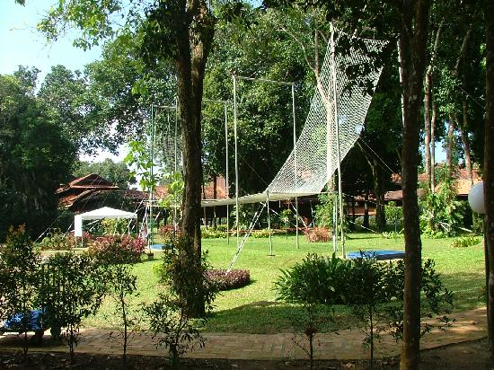 Club Med Cherating Beach : The trapeze at Cherating