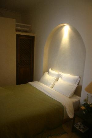 Riad Dar Zaman: Bed
