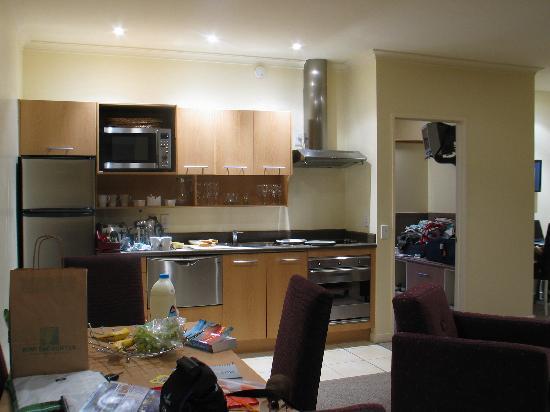 Regal Palms Resort: Kitchen - 2 bed unit