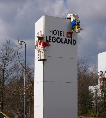 Hotel LEGOLAND: Sign just outside the hotel