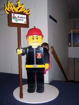Hotel LEGOLAND : Lego Figure in hotel hallway