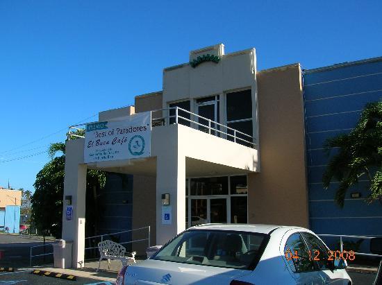 Parador El Buen Cafe Hotel: front entrance