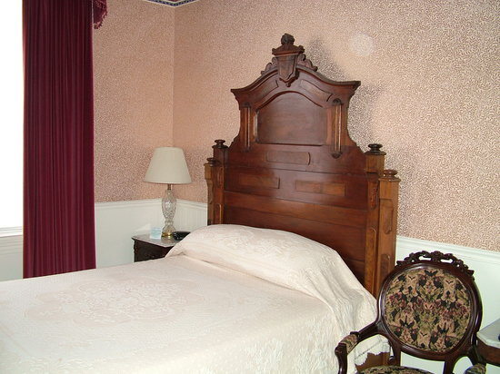 Strater Hotel: Bed