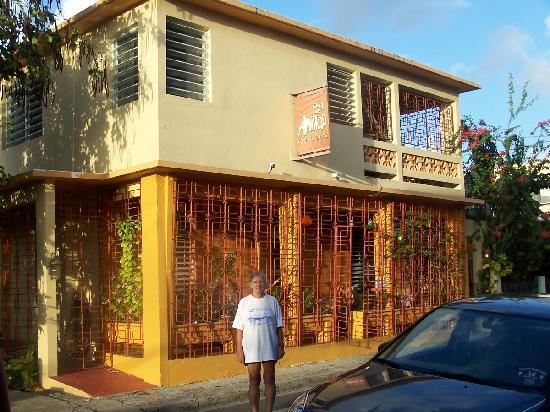 Casa de Amistad: Front of guesthouse