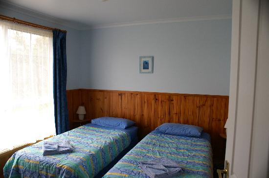 Castaway Holiday Apartments: Room