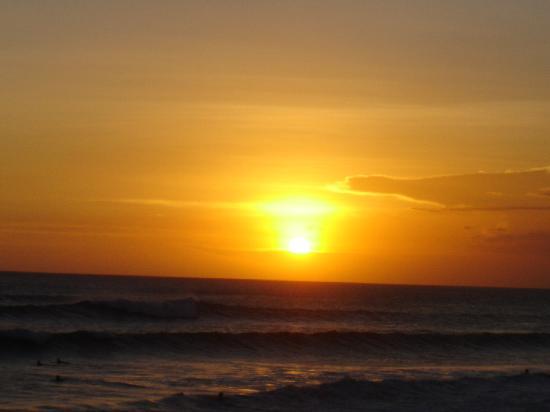 Legong Keraton Beach Hotel: Sunset