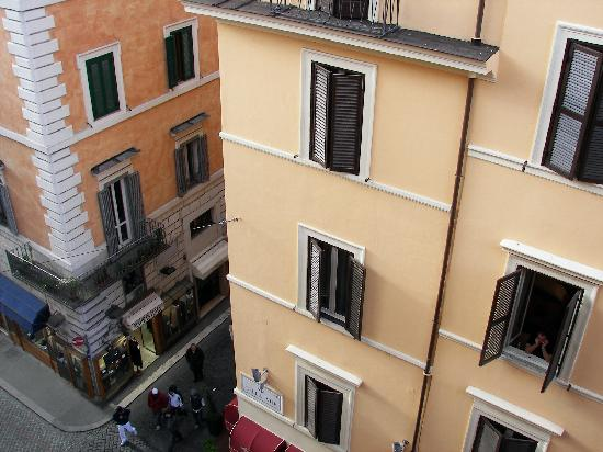 Hotel Madrid: Looking out our window to the street