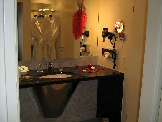 Hotel Exel : la salle de bain