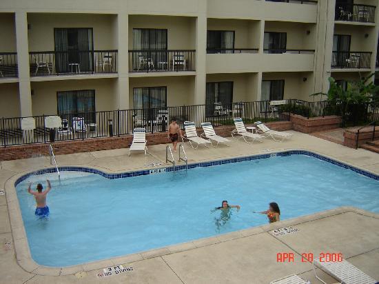 Courtyard San Antonio Medical Center : Swimming Pool