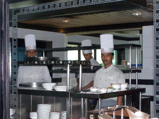 The Renai Cochin: See whats cooking. An open kitchen concept