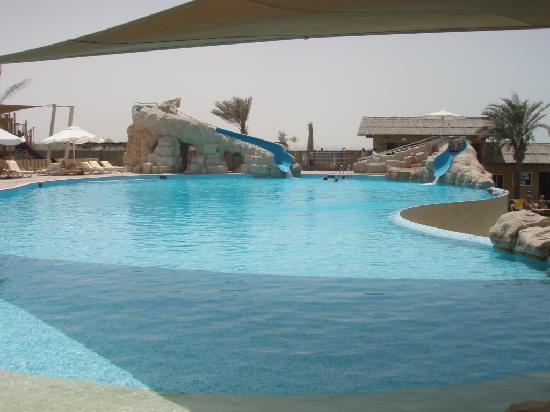 Coral Beach Resort Sharjah: Big pool