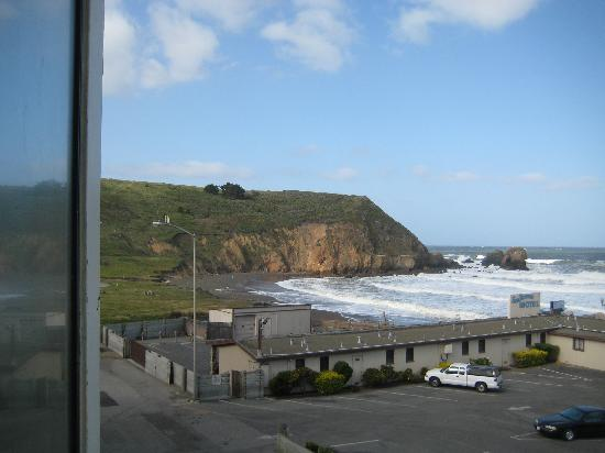 Pacifica Motor Inn: view from rm 317 - left bay window