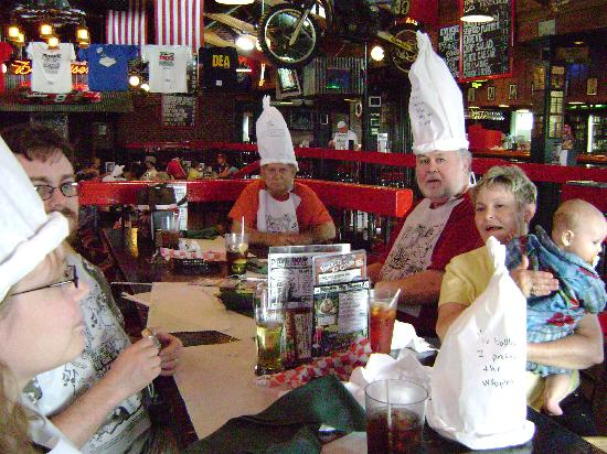 Dick's Last Resort - Myrtle Beach: Now we're having fun !