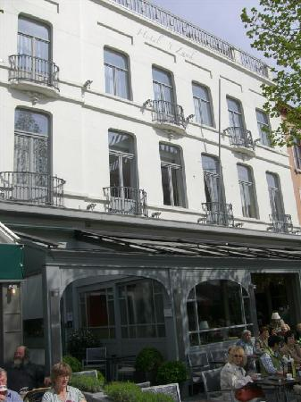 Hotel 't Zand: Fachada del hotel