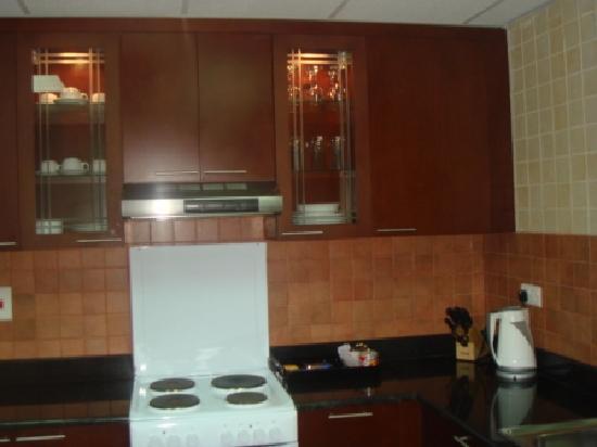 Dunes Hotel Apartments Barsha : kitchen