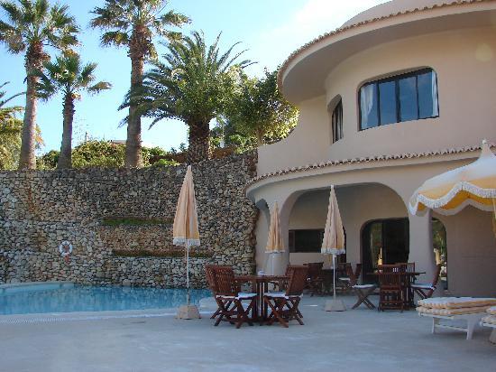 Blue & Green Vilalara Thalassa Resort: seule piscine chauffée et bar de la thalasso