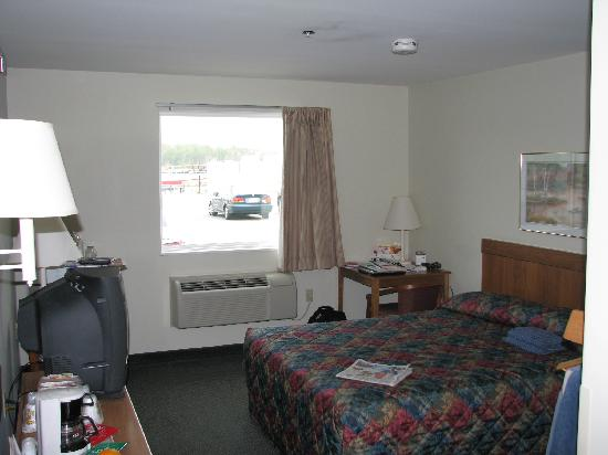 Super 8 Hagerstown/Halfway Area: Spacious clean Bedroom