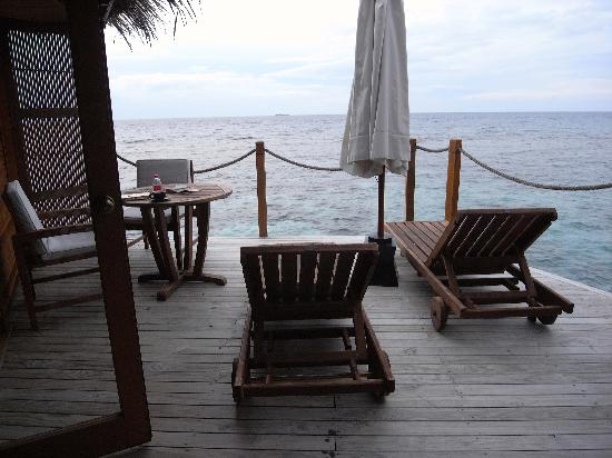 Mirihi Island Resort: our terrace