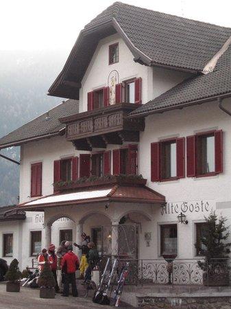 Valdaora, إيطاليا: Facciata esterna dell'hotel Alte Goste