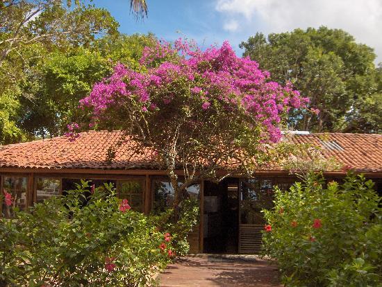Canto d'Alvorada Pousada: Restaurant Entrance