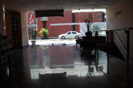 Maria Angola Hotel: Took this while waiting for my friend