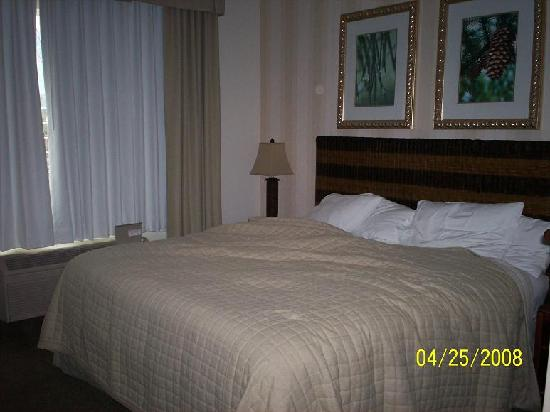 DoubleTree by Hilton Hotel Vancouver, Washington: bedroom