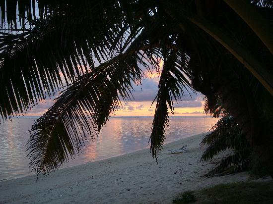 Titikaveka, Cook Islands: sunset in Raratonga