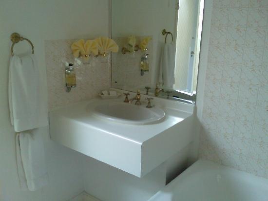 Apsley House Hotel: Bathroom