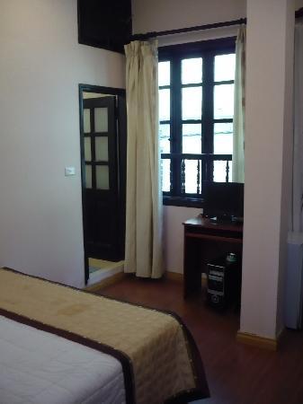 Ocean Stars 2 Hotel: Room 202 from doorway